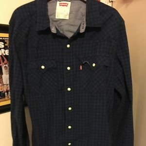 Men's long sleeve Levi shirt